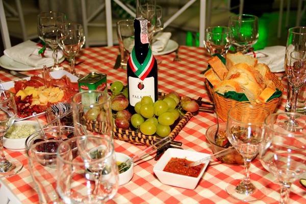 12 Mesa Festa Italiana