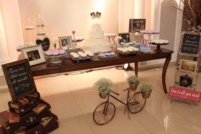 Mesa de bolo para festa de bodas