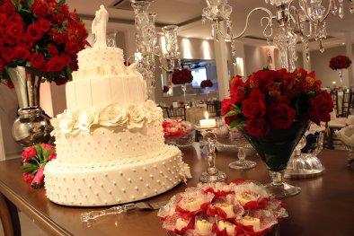 Mesa de bolo buffet para casamento