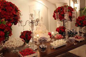 Decoração de mesa de bolo casamento