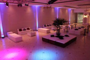 Espaço de lounge para festa de aniversário
